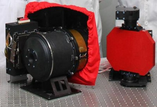 嫦娥三號攜帶的月球望遠鏡主機和反射鏡