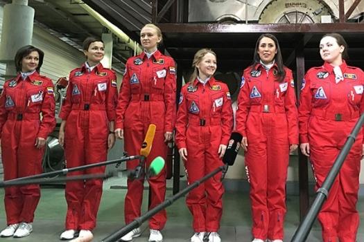 俄羅斯「月亮2015」計劃女志願者參加