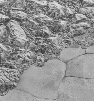冥王星史普尼克平源與山區的分界線
