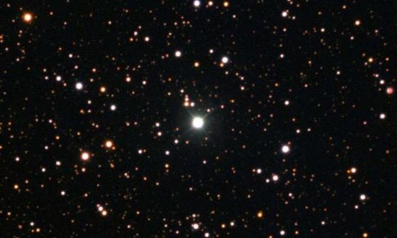 半人馬座2013新星