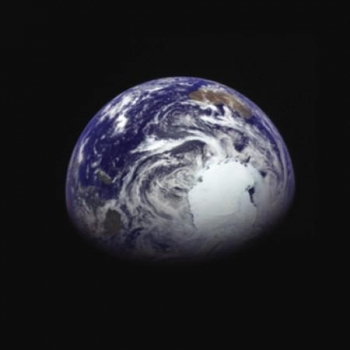 隼鳥二號拍攝的地球南極附近照片
