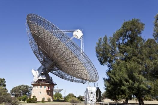 澳洲帕克斯射電望遠鏡