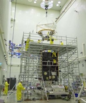 正在組裝的火星外太空生物探測衛星