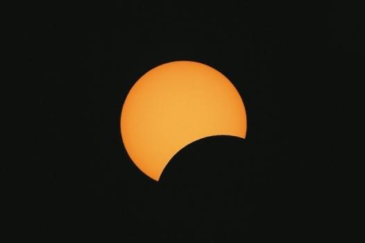 日偏食照片