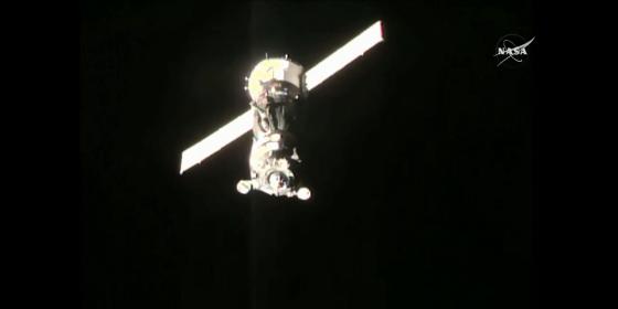 聯盟號載人太空船接近國際太空站