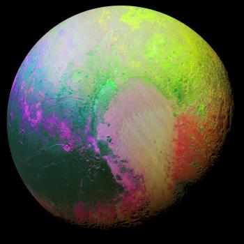 增強彩色圖像突出冥王星不同地區的細微的差異