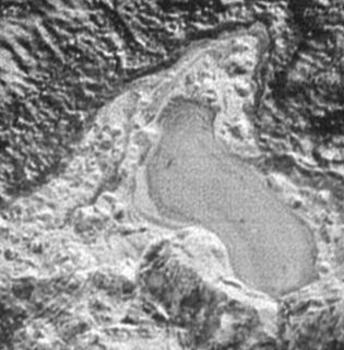 冥王星上凍結了的湖泊