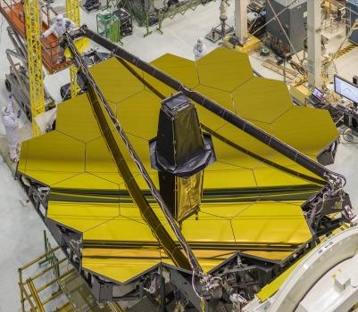 完成鏡面鍍金工序的詹姆斯·韋伯太空望遠鏡