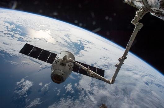 天龍號太空船現時停泊在國際太空站
