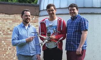 監測光污染的無人機開發團隊