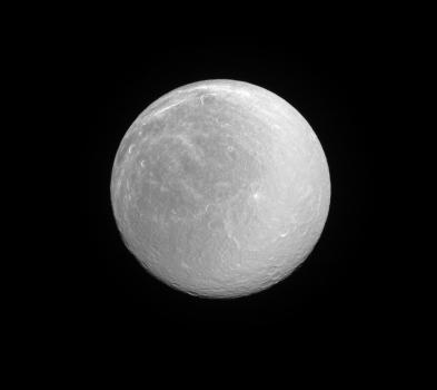 土衛五的正面照片