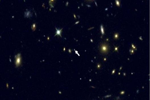 箭頭的位置是COSMOS-1908星系