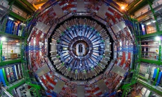 歐洲核子研究中心的大型強子對撞機探測器