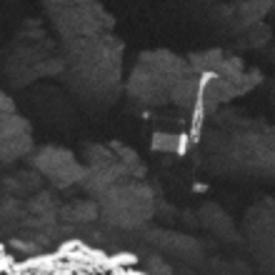 菲萊登陸器卡在彗星表面一個陰暗坑道的形態特寫