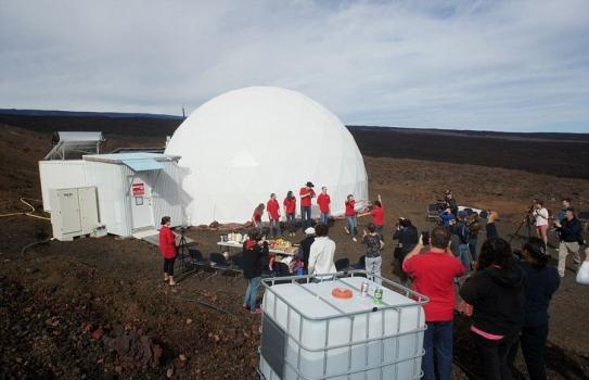 六位科學家離開居住艙