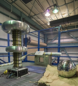暗物質探測器