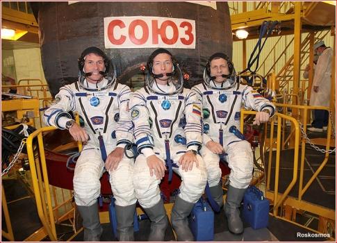 聯盟號MS-02太空船的三名太空人