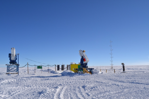 崑崙站的天文儀器