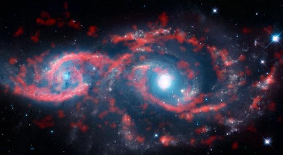 IC 2163 (左) 和NGC 2207 (右)星系
