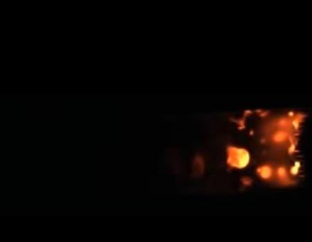火焰實驗其中一款物料燃燒的情況