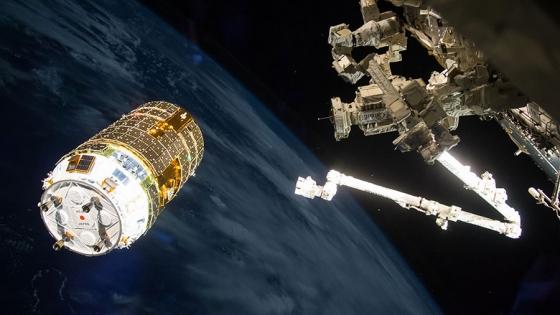 太空站機械臂捕捉鸛六號情況