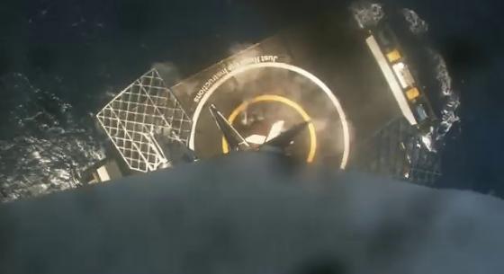 獵鷹九號火箭降落海上回收台時情況