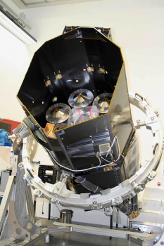 組裝中的eROSITA X-射線望遠鏡