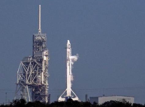 獵鷹九號火箭在甘迺迪太空中心發射台