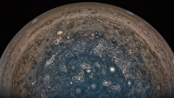 朱諾號距離木星十萬一千公里拍攝的木星照片