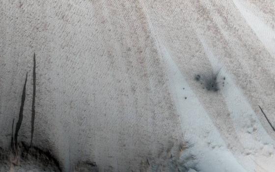 火星軌道探測器拍攝新流星撞擊爆炸痕跡