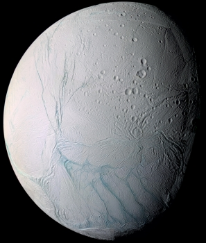 土衛二南極附近的虎紋狀地區