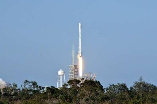 獵鷹九號火箭發射升空情況