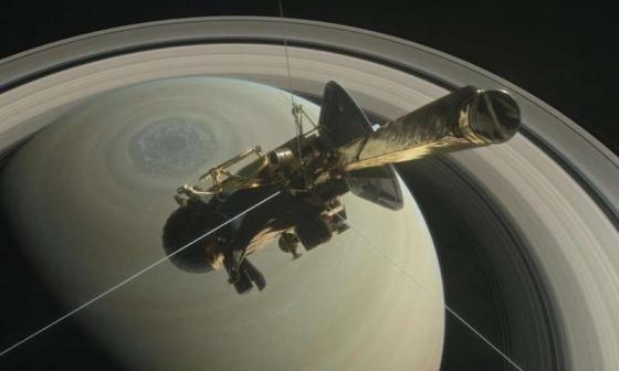 卡西尼號在土星北半球預備最後任務示意圖