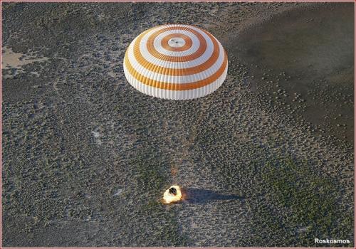 聯盟號M03太空船降落地面照片