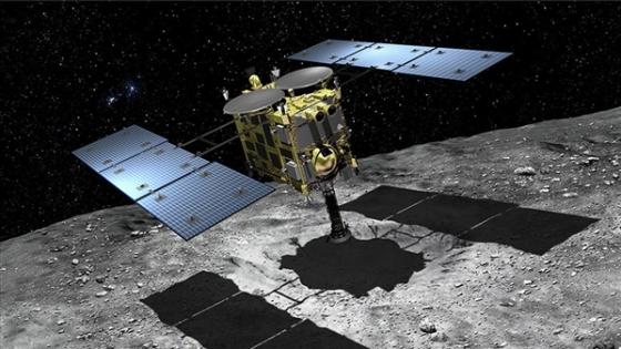 畫家筆下的隼鳥二號收集來自小行星的樣本