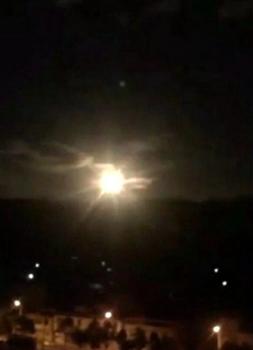 民眾拍攝的火流星視頻截圖