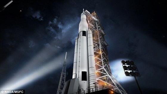 畫家筆下的太空發射系統火箭