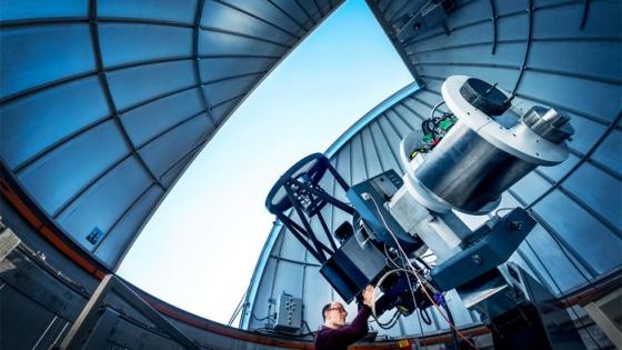 「更多光」65厘米自動化光學望遠鏡